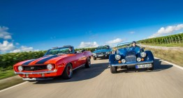 MERCEDES 450 SL (R 107) versus Chevy Camaro, Morgan Plus 8: Classic roadsters for the summer