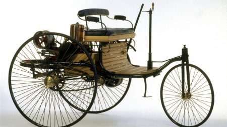 first Mercedes-Benz Patent Motorwagen (3)