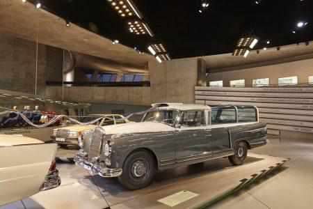 Mercedes-Benz Museum M5 - Mercedes-Benz 300 Messwagen (1960)