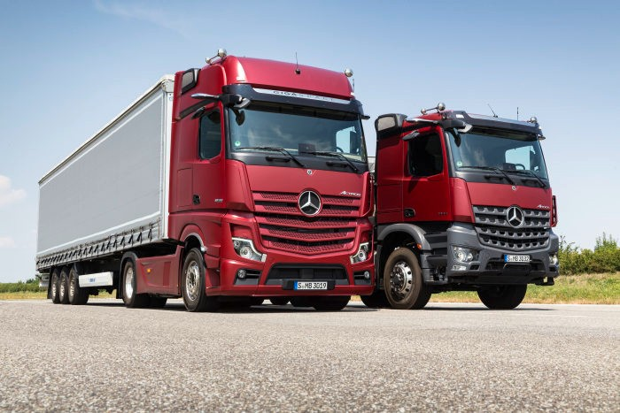 this is the new mercedes benz actros first truck with no side mirrors. Black Bedroom Furniture Sets. Home Design Ideas