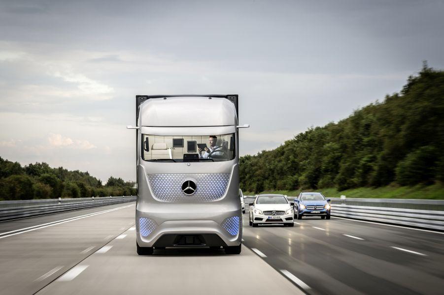 Mercedes-Benz unveils the Future Truck 2025