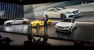 Mercedes News at Mondial de l'Automobile (video)