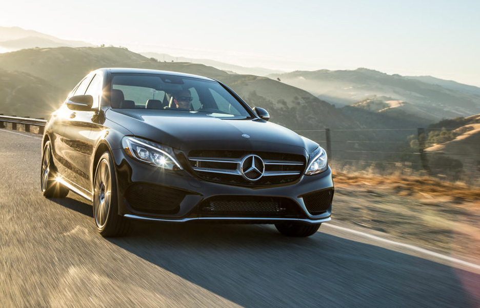 C-Class receives Luxury Car of The Year from 2015 Yahoo! Autos