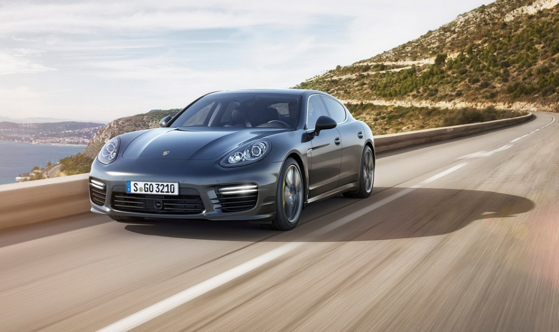 Video of the future Porsche Panamera during tests