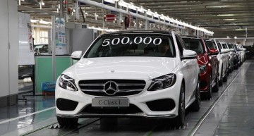 Chinese take stake in Daimler China leasing firm
