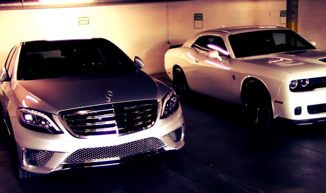 Mercedes S 65 AMG and Challenger Hellcat meet in rev battle. VIDEO