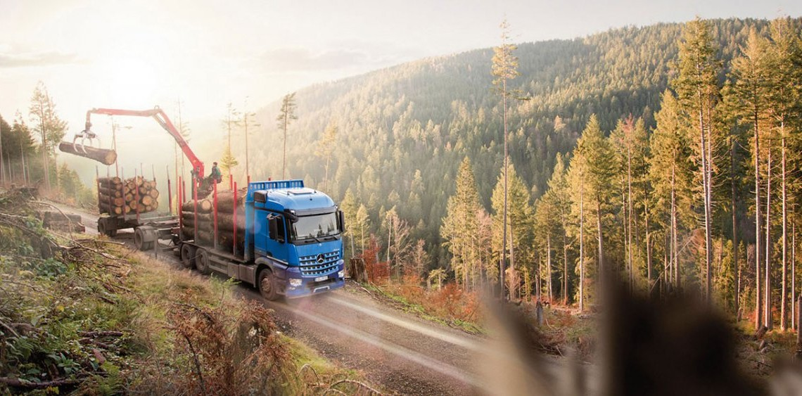 Mercedes-Benz Arocs: Good for the Wood
