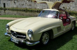 Iconic Mercedes-Benz 300 SL Gullwing fully restored