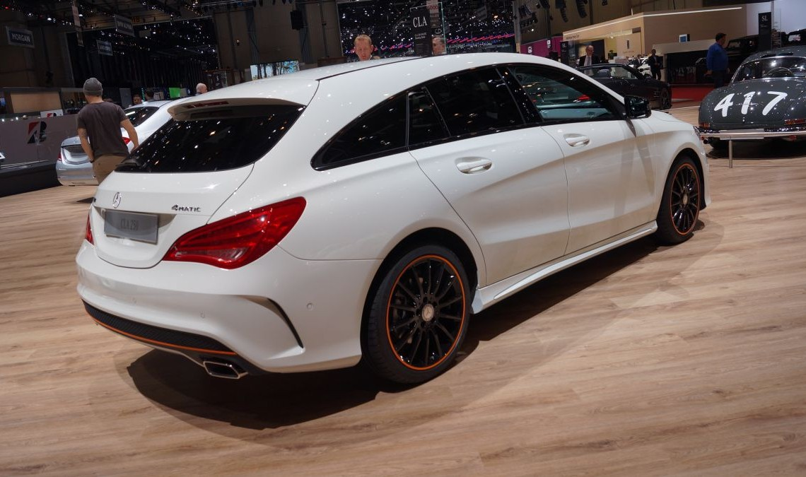 GENEVA LIVE: Mercedes-Benz CLA 45 AMG Shooting Brake (VIDEO)