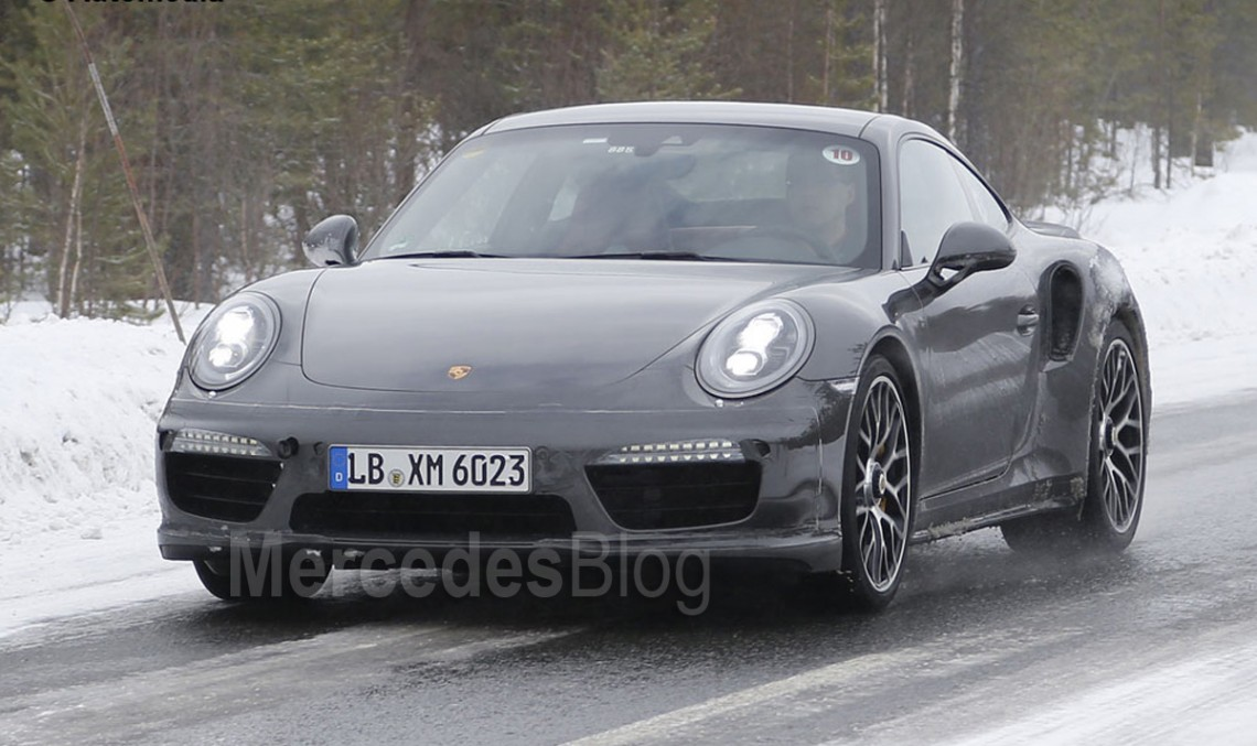 Porsche 911 Turbo Facelift spied undisguised. New interior revealed