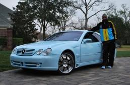 Former NBA star sells bright blue Benz
