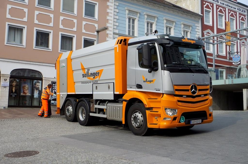 Mercedes-Benz Antos 2536 L, the waste collector's dream
