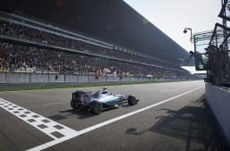 China F1: 1-2 for Mercedes