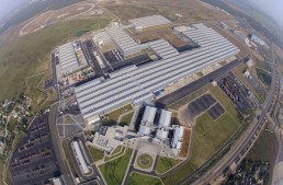Daimler announces further investments in Indian plant