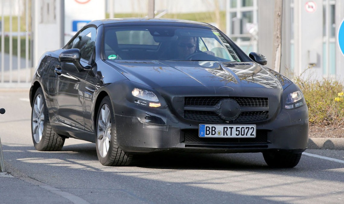 New spyshots of the future Mercedes-Benz SLC roadster