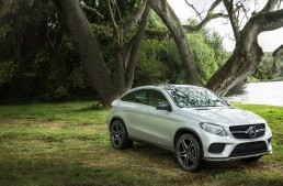 """The best kept secret of """"Jurassic World"""": the Mercedes-Benz GLE 450 AMG and the G 63 AMG 6×6"""