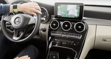 Mercedes announces Apple Watch Door-to-Door Navigation