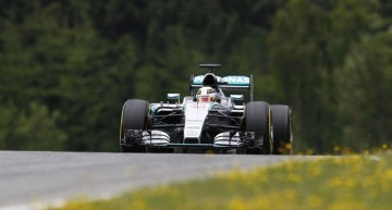 Austria F1 qualifying: Hamilton gets pole, Rosberg comes second
