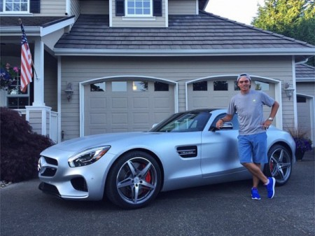Rickie-Fowler-buys-new-Mercedes-AMG-GT-S