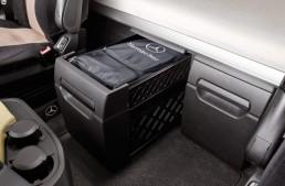 Get through the summer with Genuine Mercedes-Benz Trucks accessories