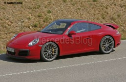The 2016 facelifted Porsche 911 without camouflage
