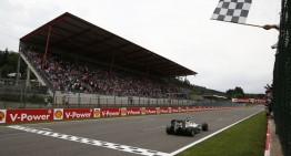 Belgium GP: Hamilton wins with no rivals in Spa