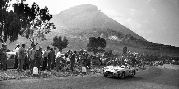 1955 – The most successful racing season for Mercedes-Benz
