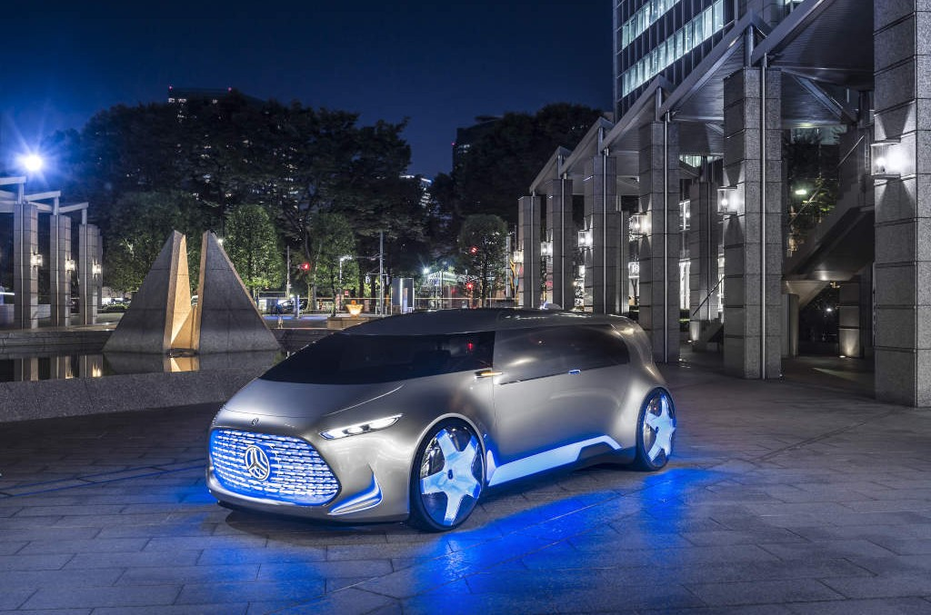 The UFO has landed – Mercedes-Benz Vision Tokyo (with video)