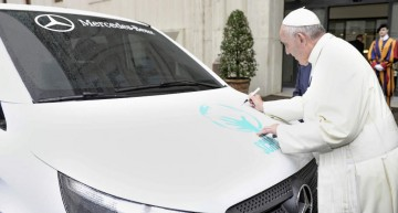 Pope Francis blesses the first ever Vito made in his home country, Argentina