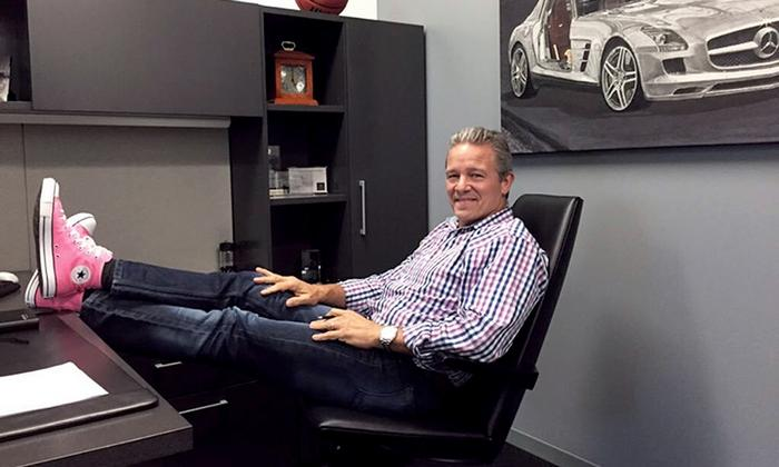 Real men wear pink – MBUSA CEO raises awareness for cancer