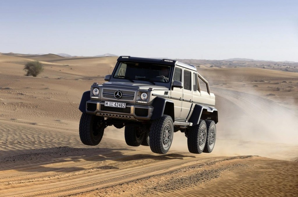 Not quite a ballerina – G 63 AMG 6×6 on a beach escape