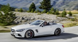 2016 Mercedes SL facelift is here, officially official. FULL DETAILS