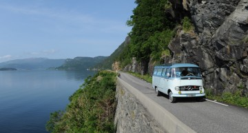 Welcome to Norway – Fjords onboard a Mercedes-Benz vintage bus
