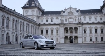 His Majesty, the Maybach – The Mercedes limousine meets Royal Castle in Italy