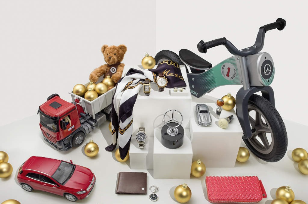 Last minute shopping – star-quality gifts from Mercedes-Benz