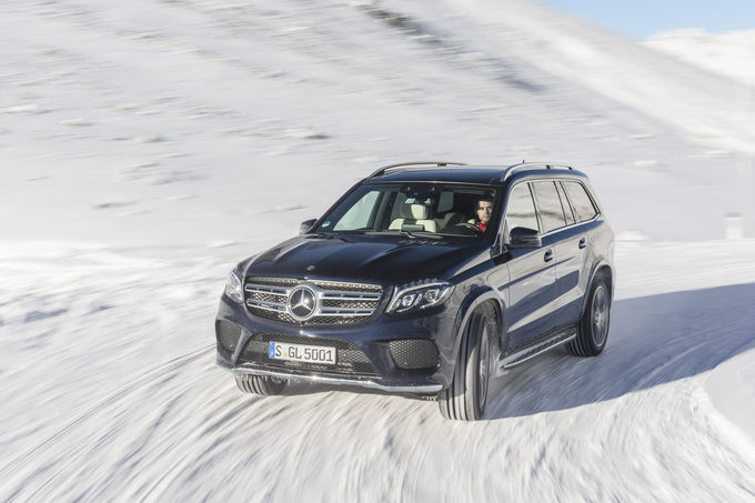 First review Mercedes GLS by auto motor und sport (with video)