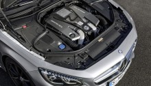 """Mercedes-AMG S 63 4MATIC  Cabriolet """"Edition 130"""" (Fuel consumption combined: 10.4 l /100 km; combined CO2 emissions: 244 g/km; Kraftstoffverbrauch kombiniert: 10,4 l/100 km; CO2-Emissionen kombiniert: 244 g/km)"""
