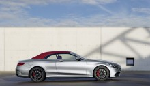 """Mercedes-AMG S 63 4MATIC  Cabriolet """"Edition 130"""" (Fuel consumption combined: 10.4 l /100 km; combined CO2 emissions: 244 g/km; Kraftstoffverbrauch kombiniert: 10,4 l/100 km; CO2-Emissionen kombiniert: 244 g/km)Exterieur: AMG Alubeam silberexterior: AMG alubeam silver Stoffverdeck Rot / fabric soft top red"""