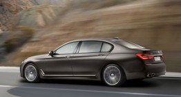 BMW 760Li xDrive: a new rival for Mercedes-Benz S 600