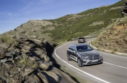 Smashing records: Mercedes-Benz SUVs and compact cars sell best