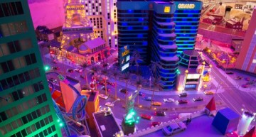 It's a small world after all – Twin brothers create miniature Mercedes-Benz world