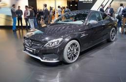 GENEVA LIVE. Mercedes-AMG C 43 waves good-bye to AMG Sport Line