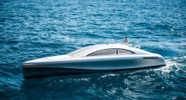 Silver Arrow of the Seas – 960 HP Mercedes-Benz yacht sails on the French Riviera