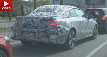 Mercedes E-Class Cabrio caught on video. See it in motion