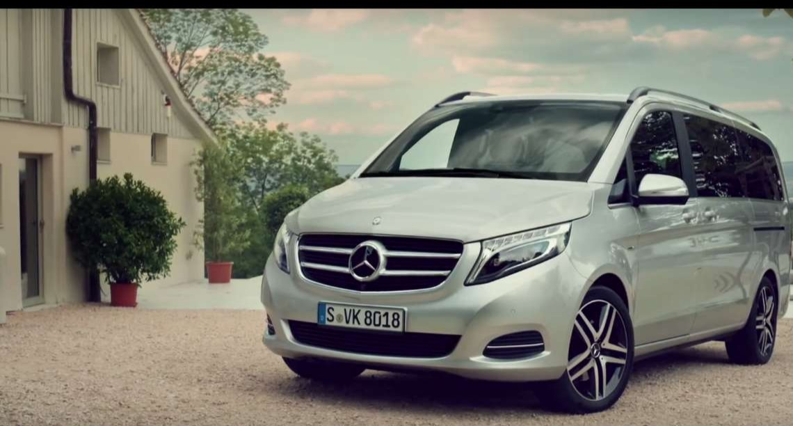 The Mercedes-Benz V-Class – Ready for Roger Federer and 2 sets of twins