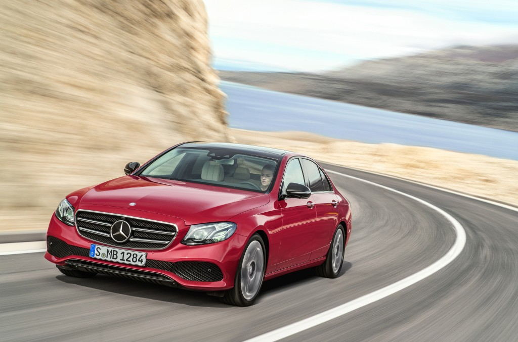 Bright to the bones – The 2017 E-Class stars in new trailer