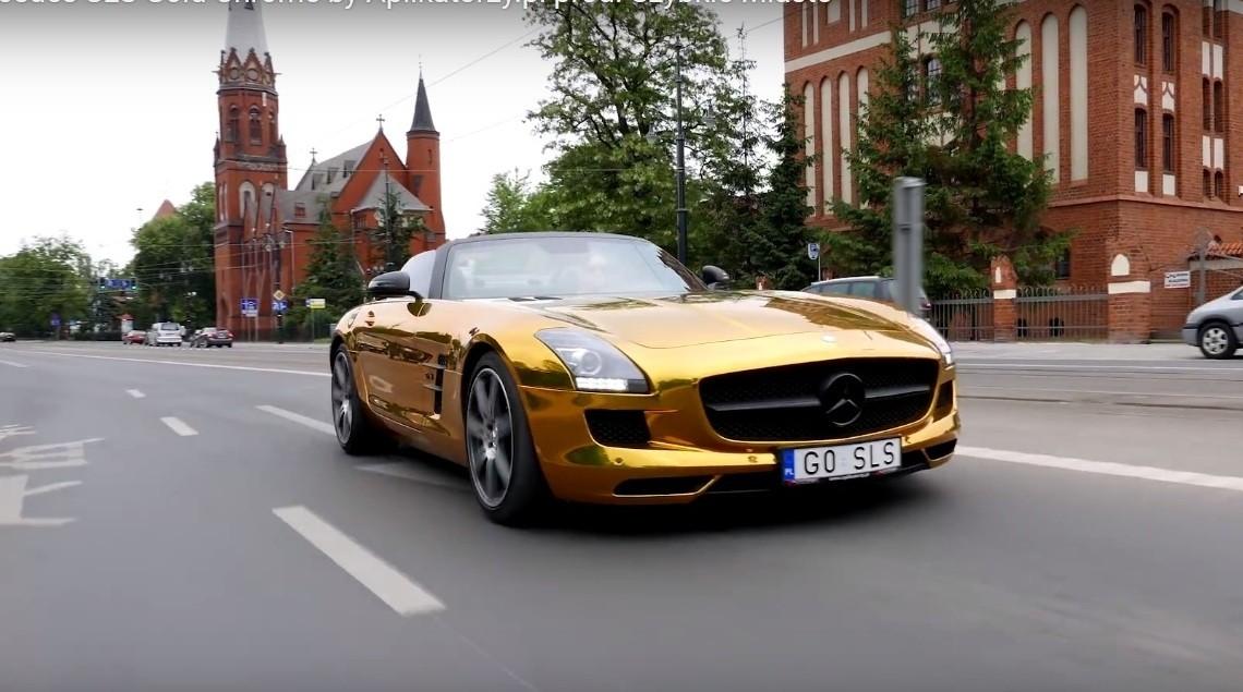 The golden Mercedes SLS AMG – Irreversible eye damage