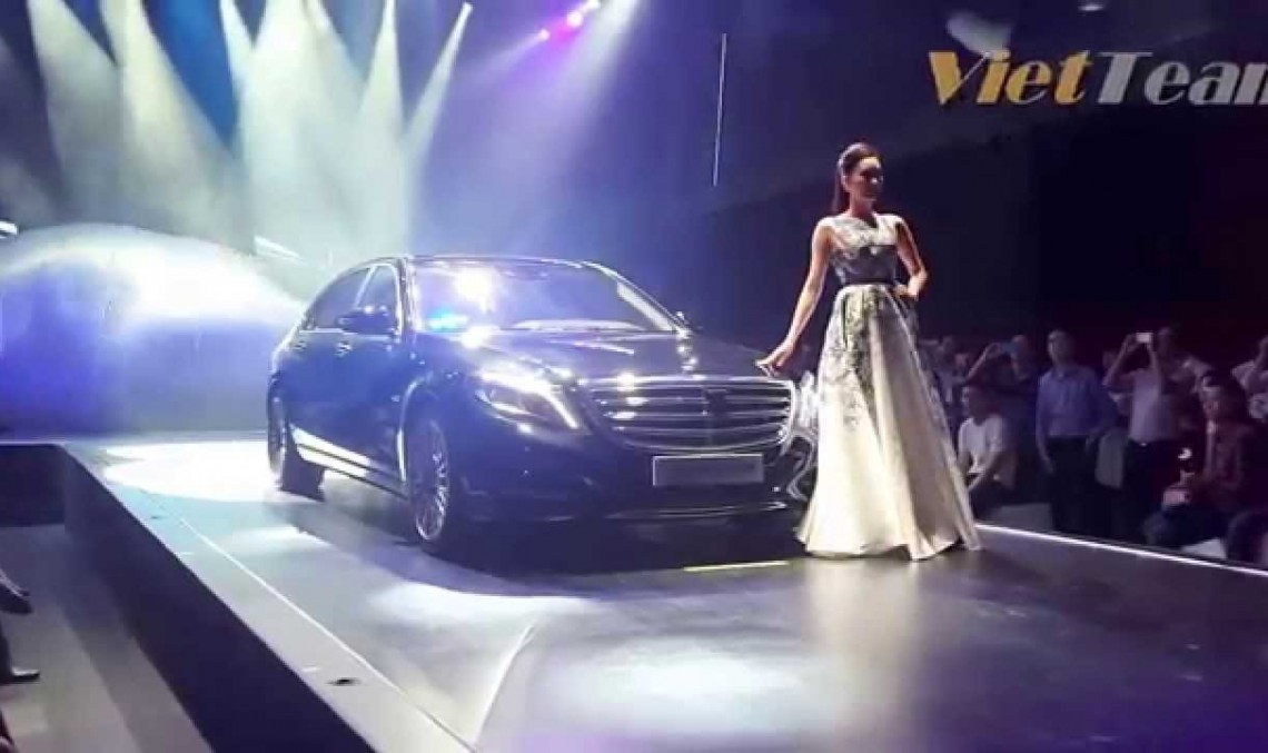 What if cars were supermodels? Check out the Mercedes S-Class beauty!