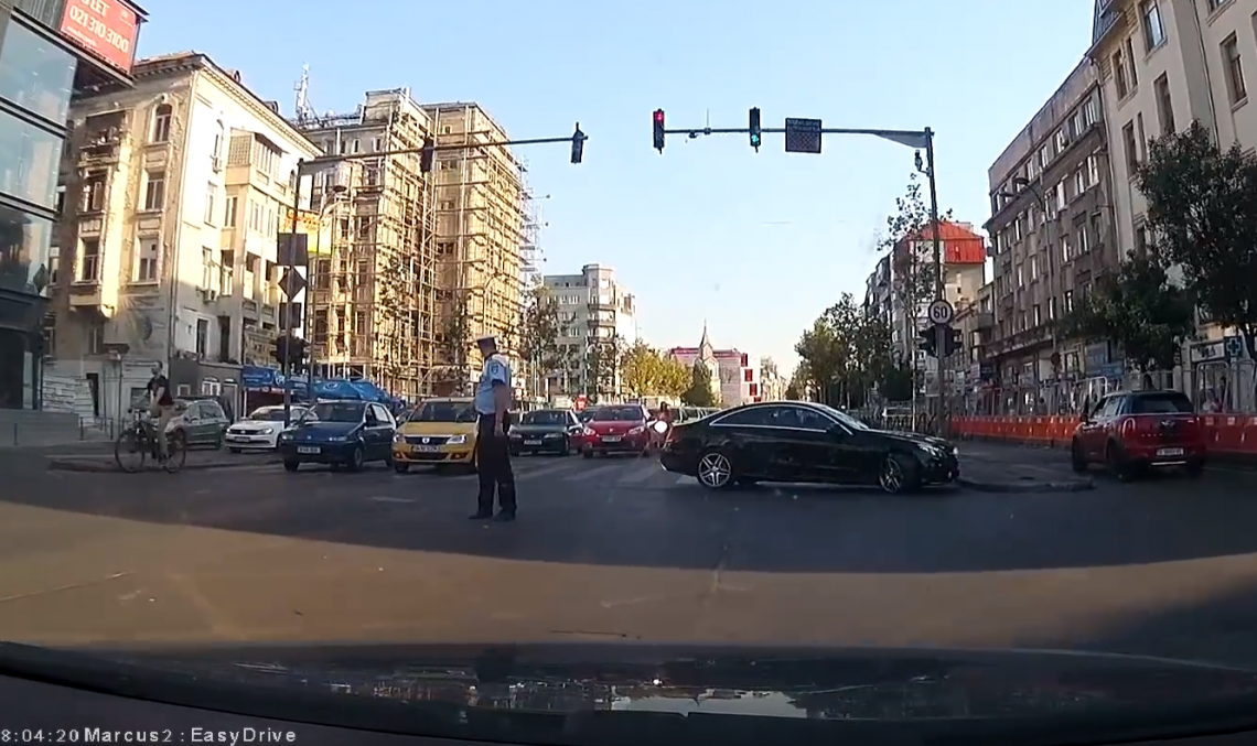 Mercedes driver shocks policeman, brings mayhem apon himself