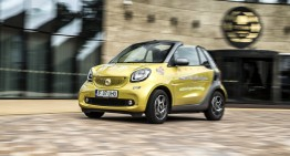 smart fortwo cabriolet – The urban joy toy extending summer